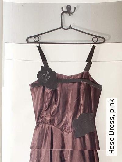 Bild: Tapeten - Rose Dress, pink
