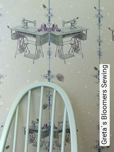 Bild: Tapeten - Greta`s Bloomers Sewing